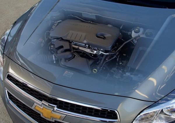 Chevrolet-Malibu_2013_1600x1200_wallpaper_66-600x424