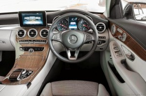 Mercedes-C-250-AMG-Line-3