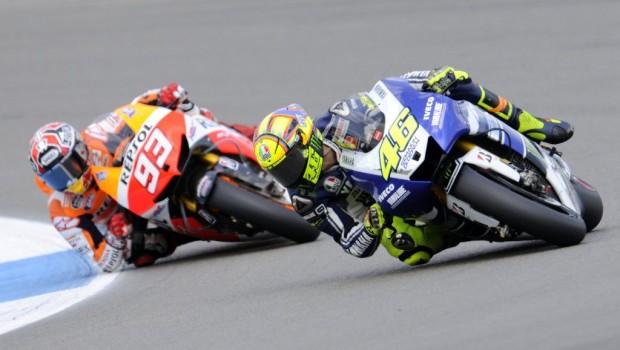Valentino-Rossi-Moto-GP4-620x350