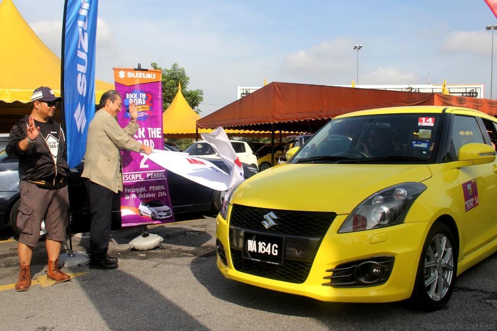 2-Suzuki-Rock-the-Road-2-Escape-Penang-Flag-Off
