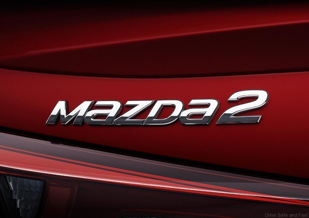 Mazda2-Sedan1