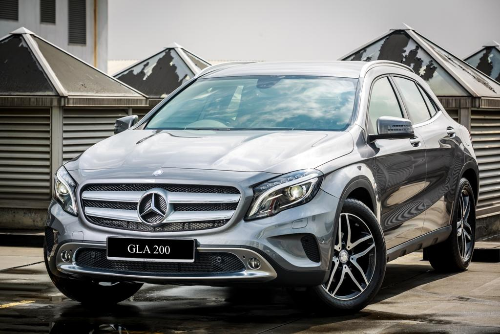 Mercedes-Benz-GLA-200-1