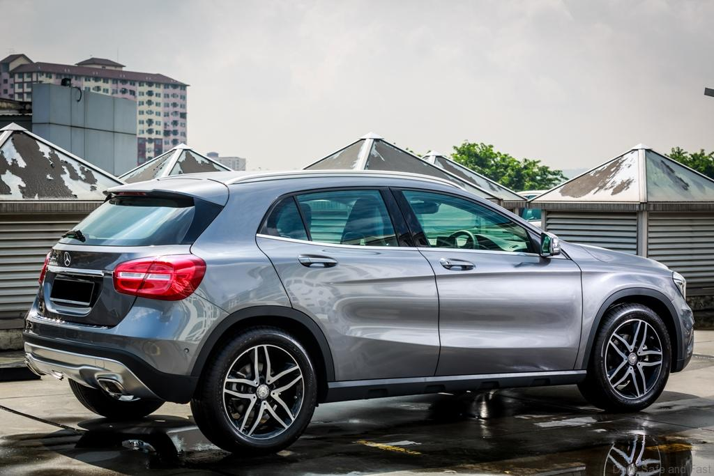 Mercedes-Benz-GLA-200-3