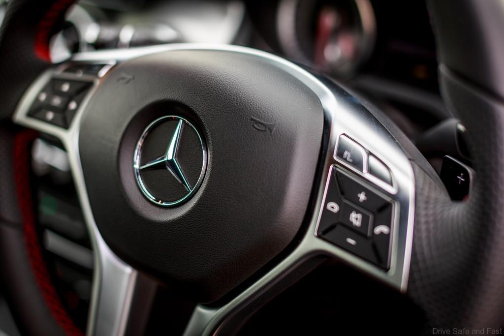 Mercedes-Benz-GLA-250-4MATIC-18 (1)