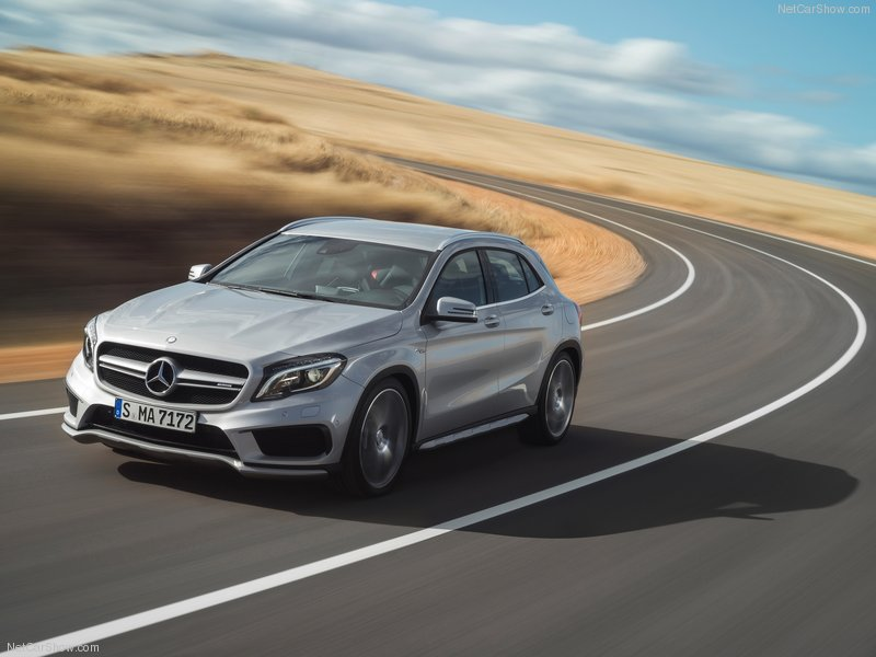 Mercedes-Benz-GLA45_AMG_2015_800x600_wallpaper_03