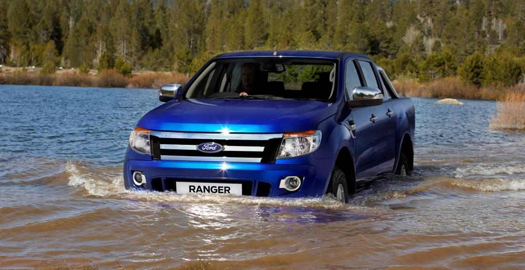 Flood-Wading1