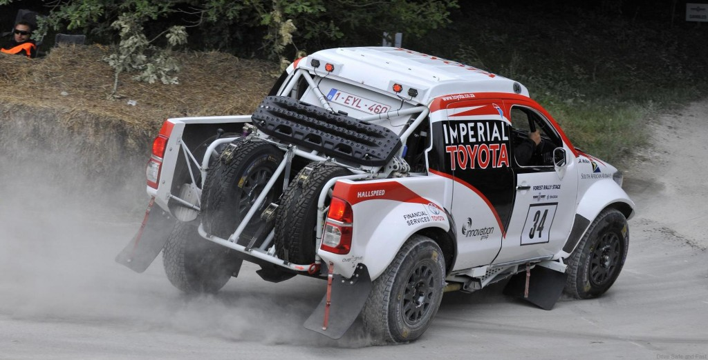 Toyota-Hilux-race4 (1)
