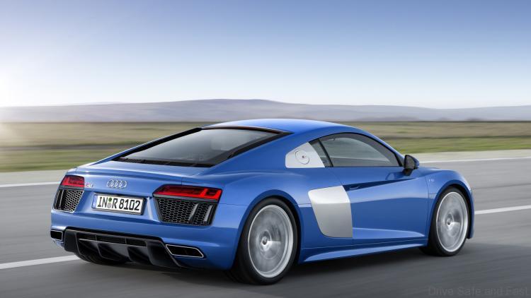 2016-Audi-R8-2