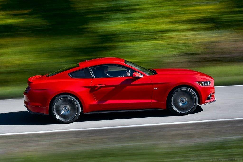 Ford-Mustang_GT_2015_1024x768_wallpaper_0b