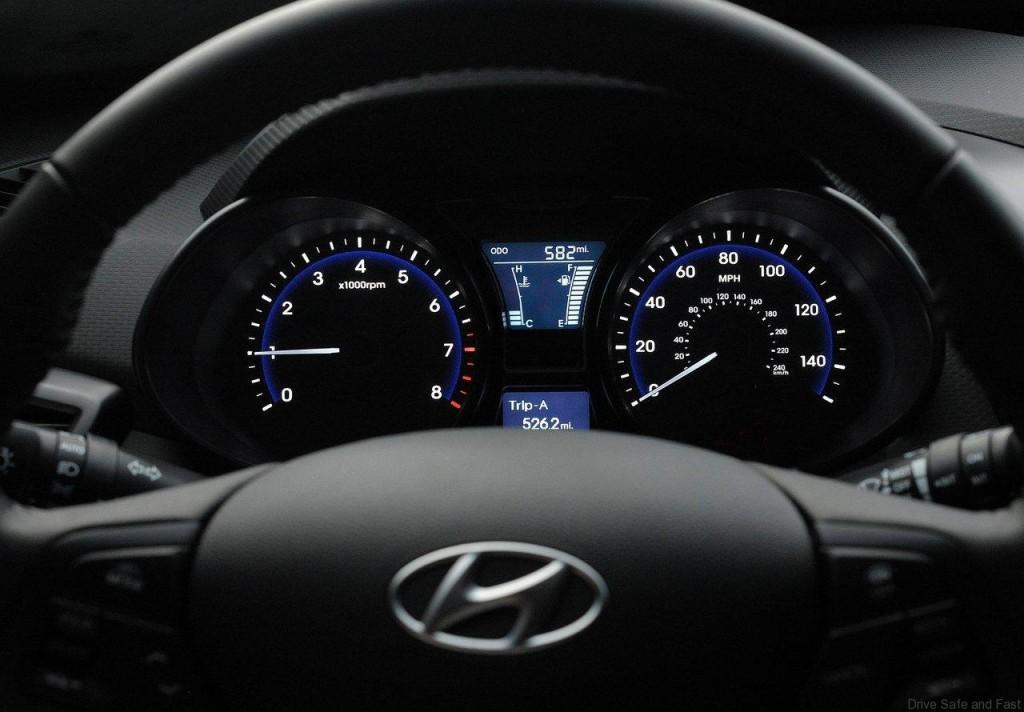 Hyundai-Veloster_Turbo_5