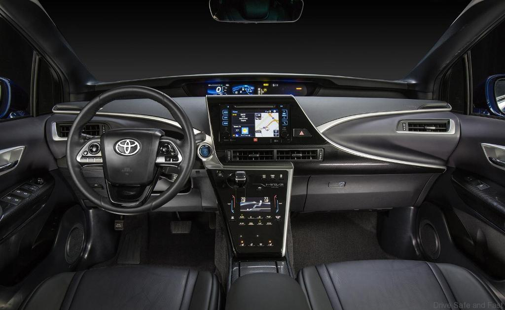 Toyota-mirai-production-01
