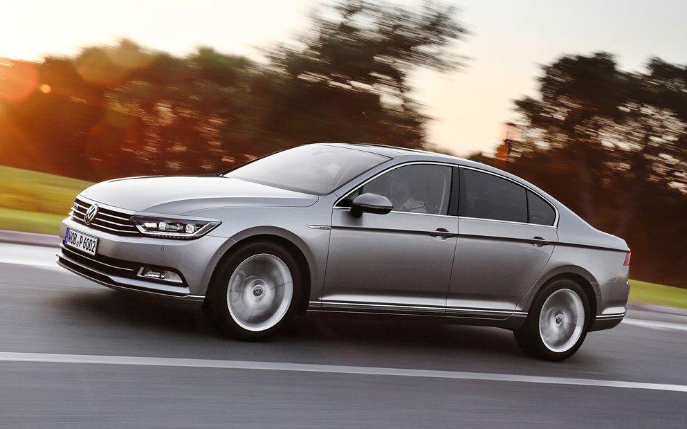 Volkswagen-Passat_2015_8