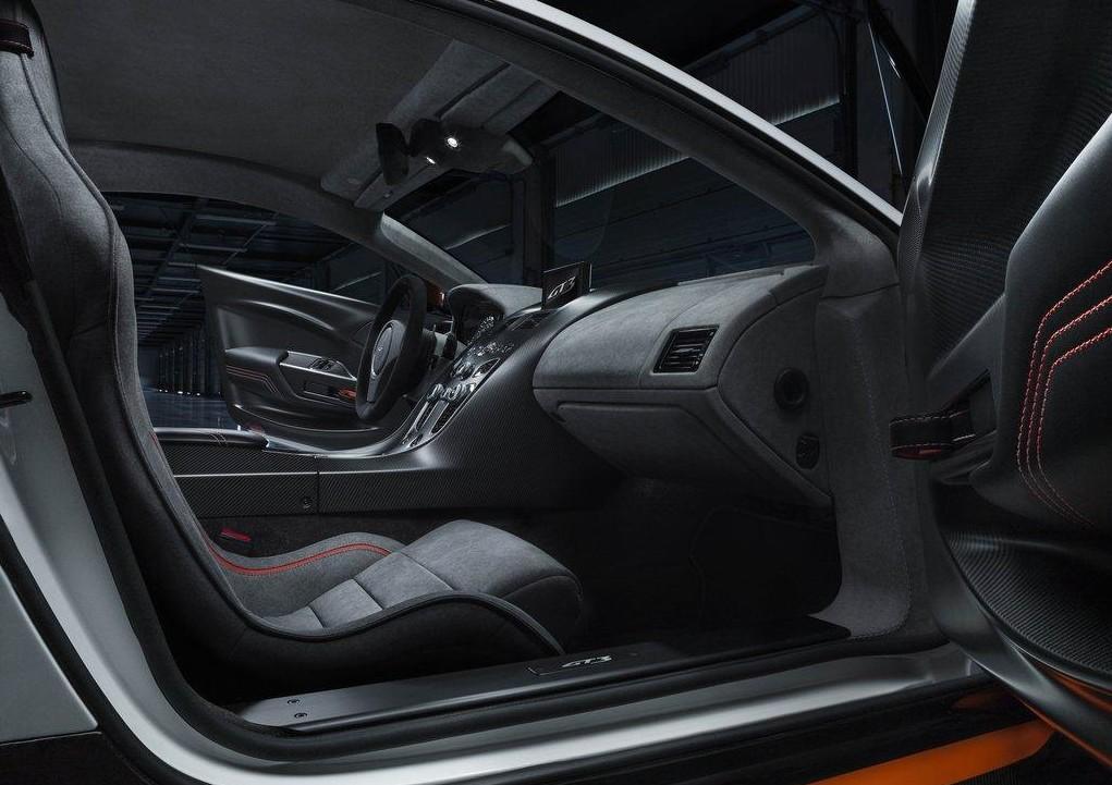 Aston-6-e1424355834275