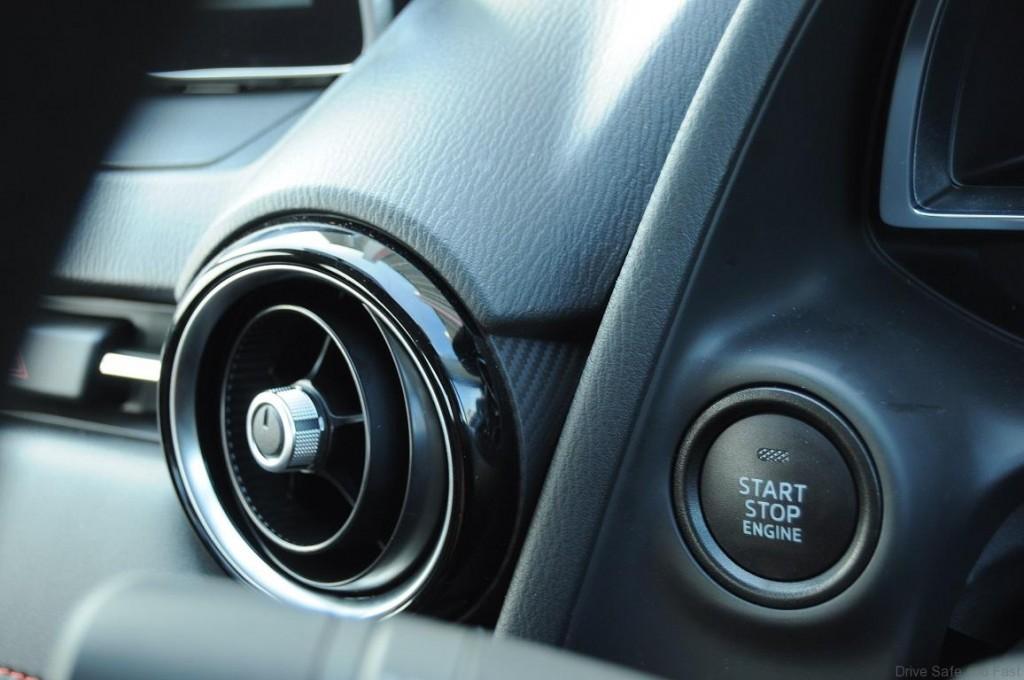 Mazda-2-Sedan-Interior-3