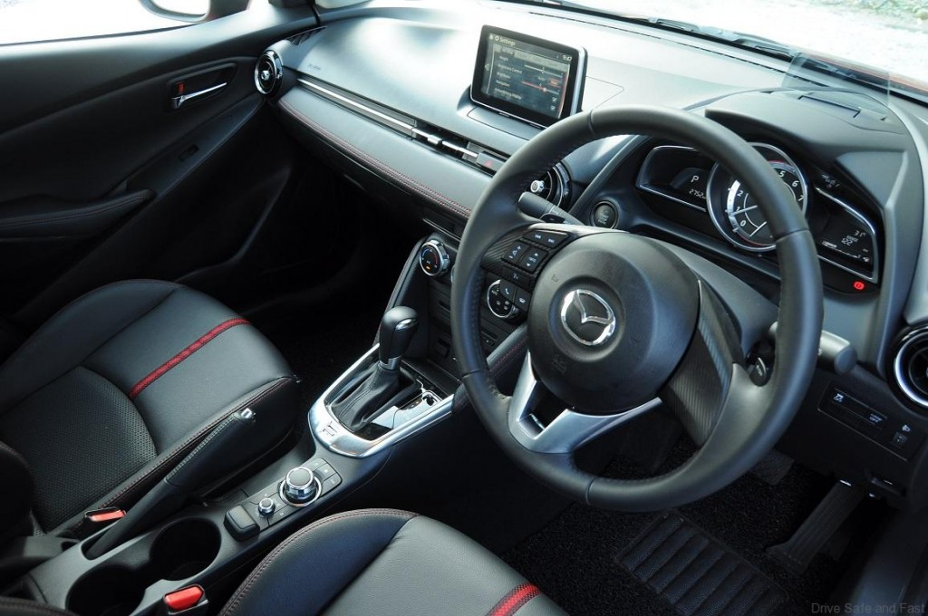 Mazda-2-Sedan-Interior-5