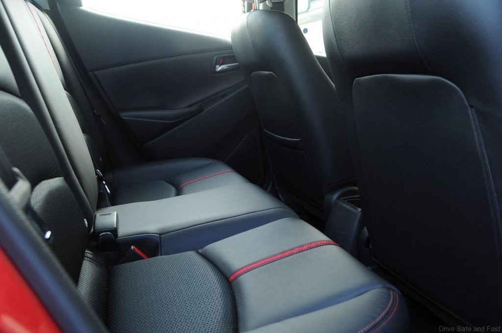 Mazda-2-Sedan-Interior-6