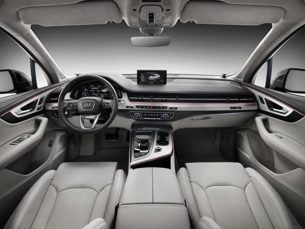 Q7-Audi-e-tron-4