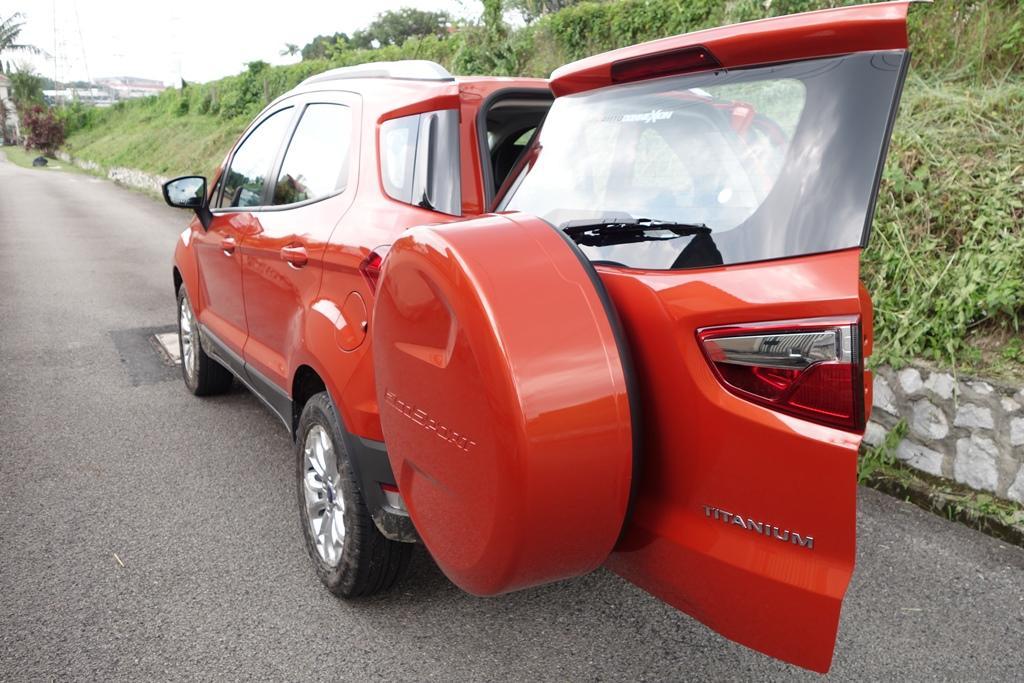 Ford-Ecosport-Titanium10