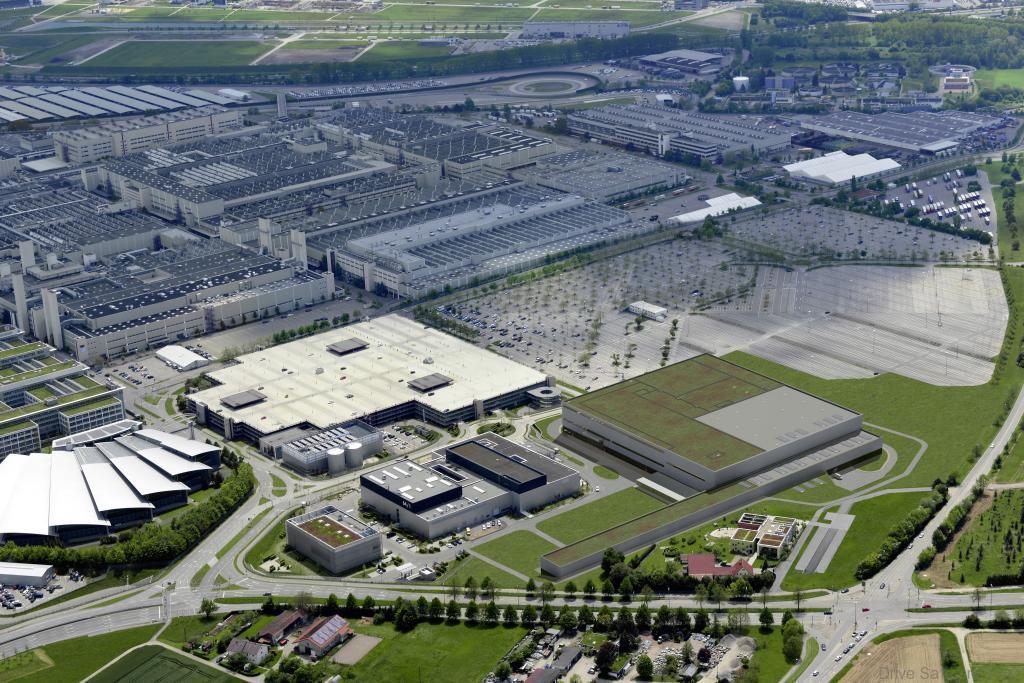 Mercedes-Benz-Crash-Test-Facility-Factory-2