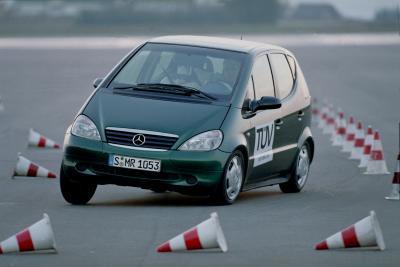 Mercedes-Benz-ESP-Stability-Control-7
