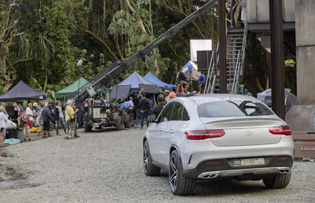 Mercedes-Benz-Jurassic-World-9