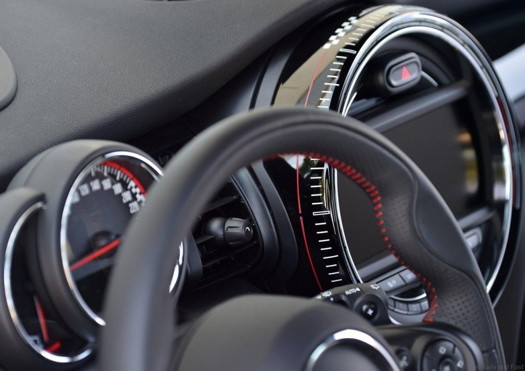Mini-John_Cooper_Works_2015_1280x960_wallpaper_90