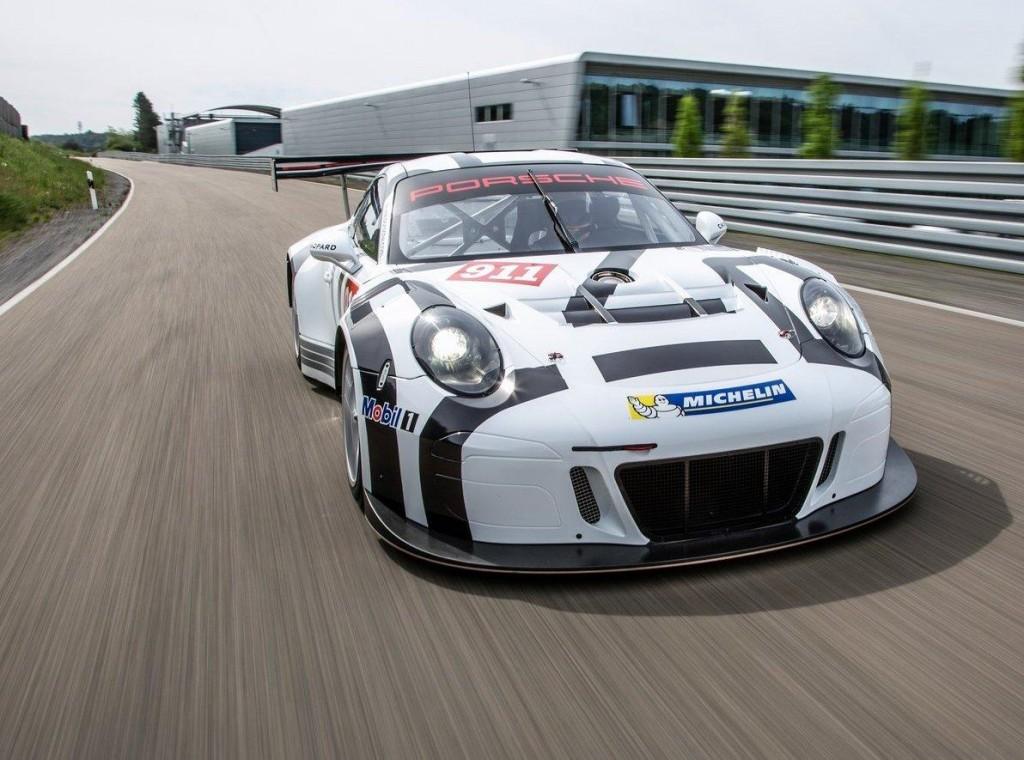 Porsche-911_GT3_R_2016_02