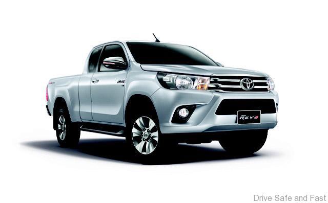 Toyota-Hilux-REVO3