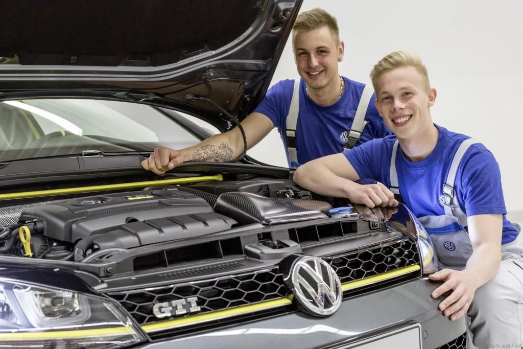 Volkswagen-GTI-Golf-Dark-Shine-Worthersee-5