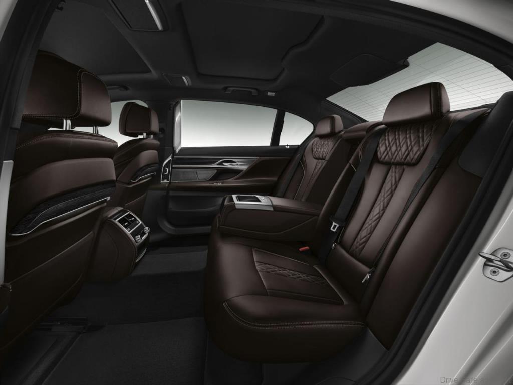 BMW-7-Series-11