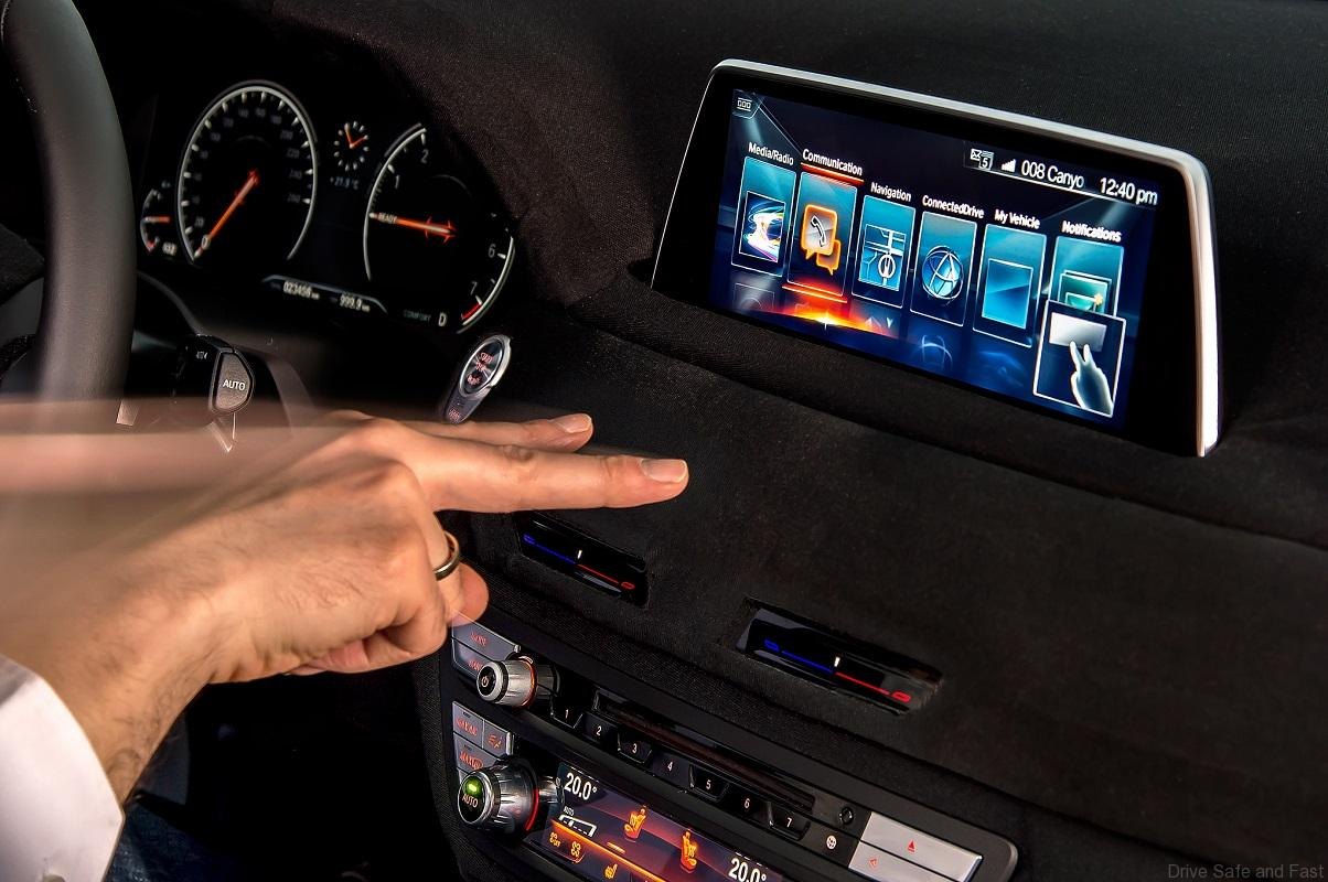 BMW-7-Series-Gesture-Control-ConnectedDrive-iDrive