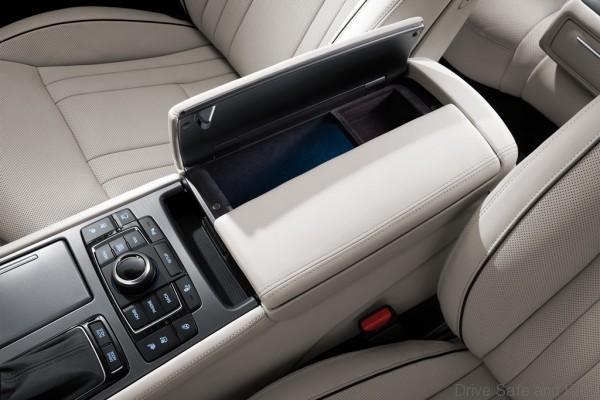Hyundai-Genesis-16-600x400