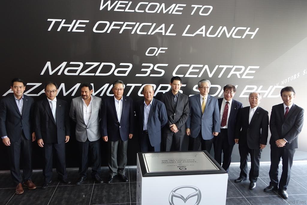 Mazda-Azam-02