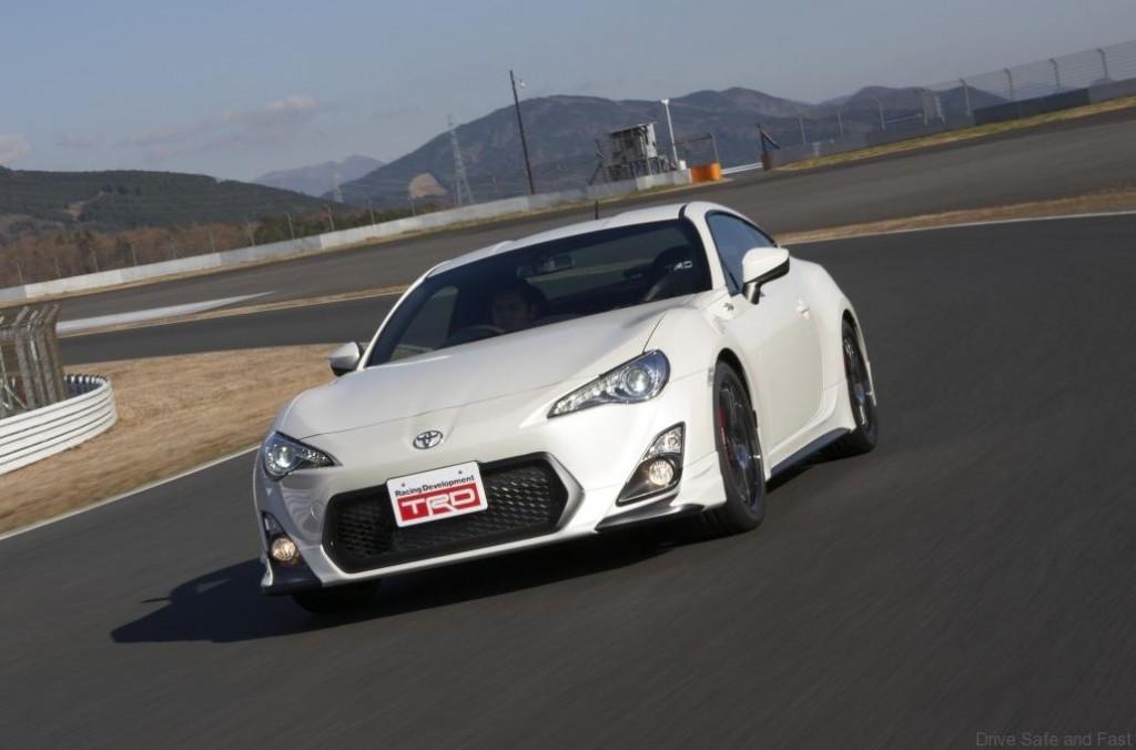 Toyota-GT-86-14R60b