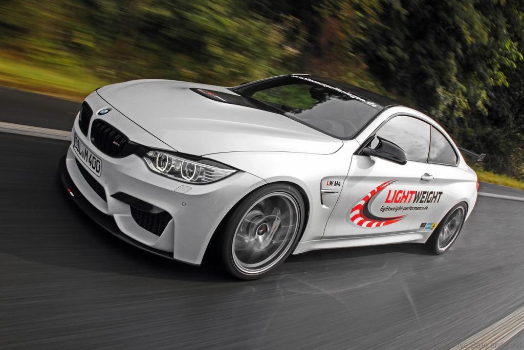 BMW-M4-Coupe-by-Lightweight9