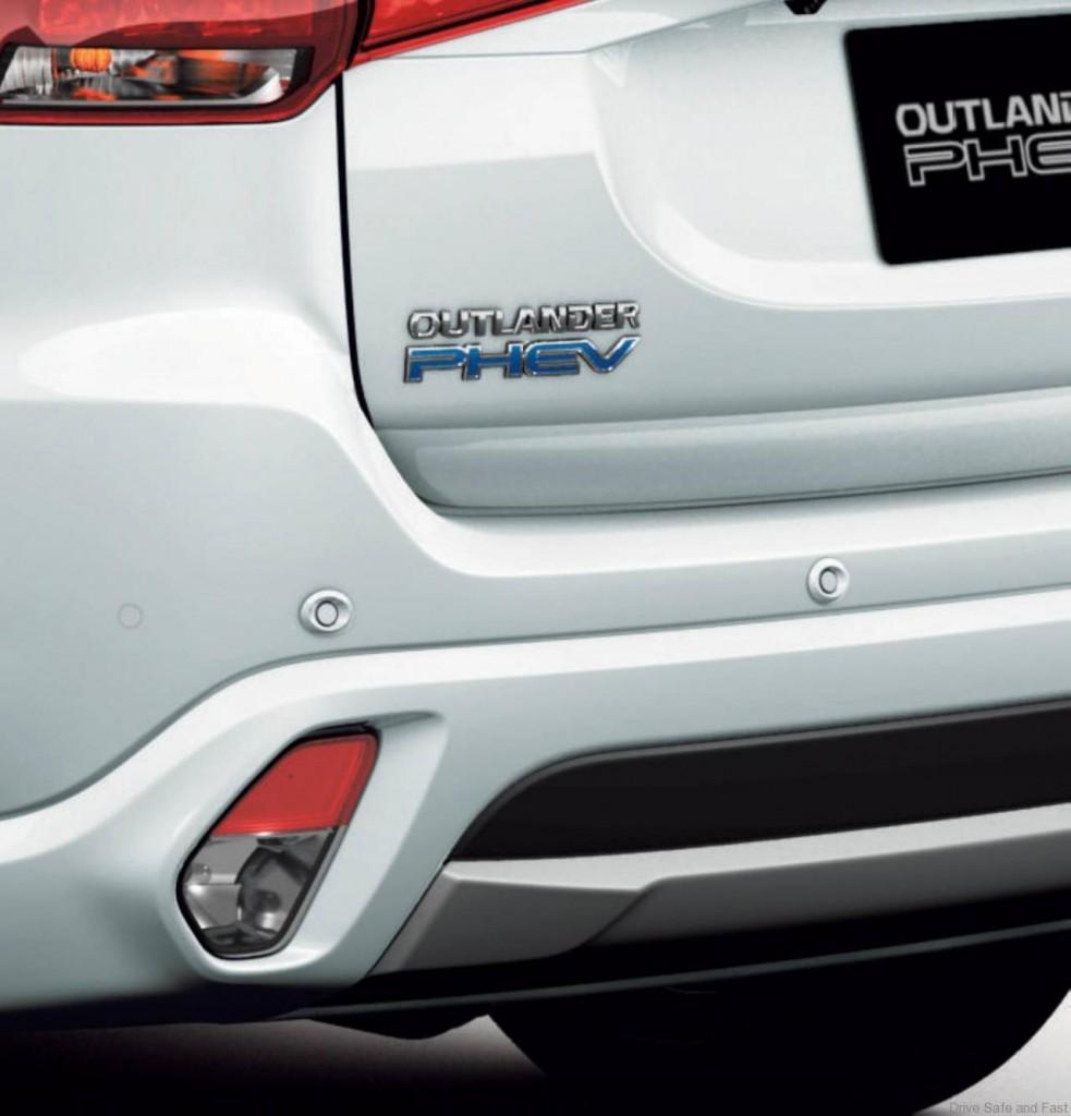 Mitsubishi-Outlander-PHEV-6