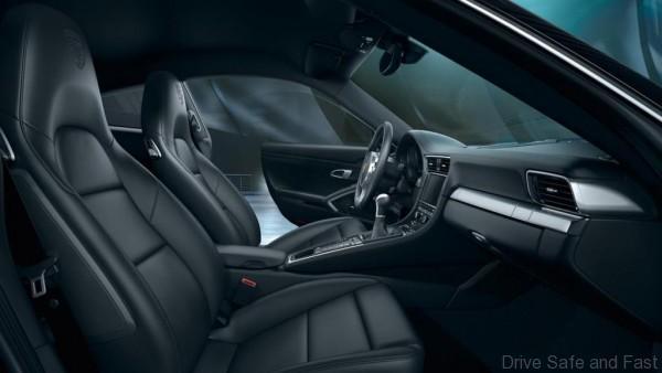 Porsche-911-Black-Edition-1-600x338