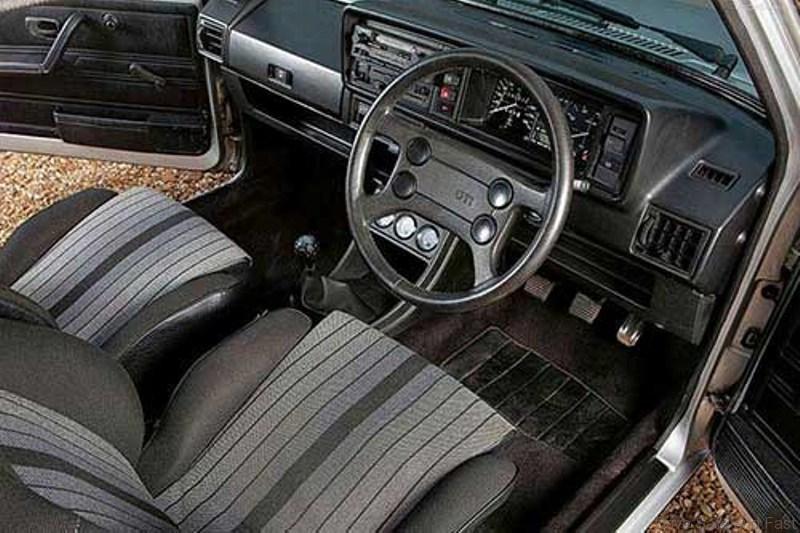 Volkswagen-Golf_I_GTI_1976_2