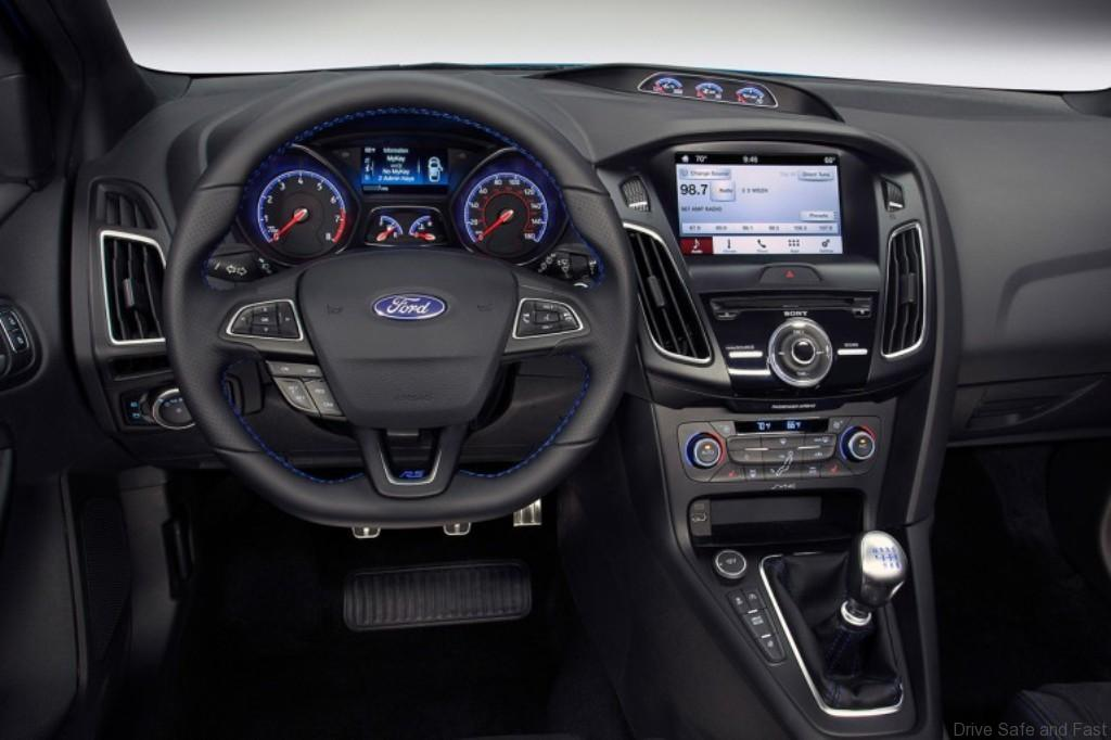 ford-focus-rs-dashboard
