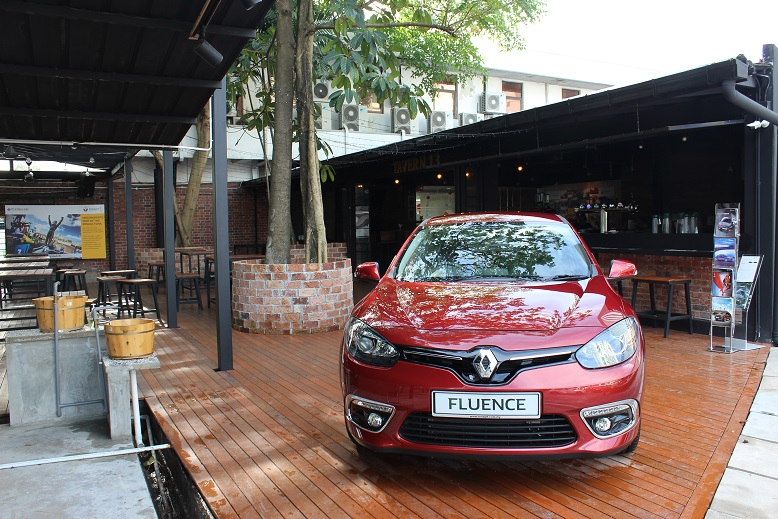 Upgraded Flagship Renault Showroom_Tavern 13 Outdoor