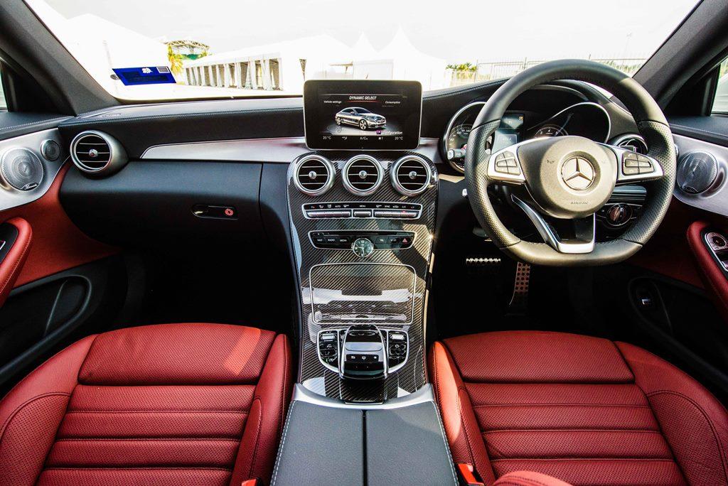 Mercedes-Benz C 300 Coupe (11)