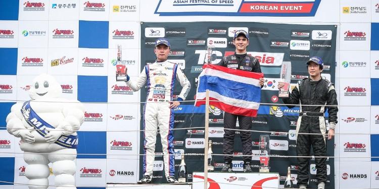 TCRAsia_R216_podium_med2