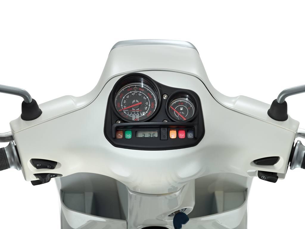 Vespa S125 02
