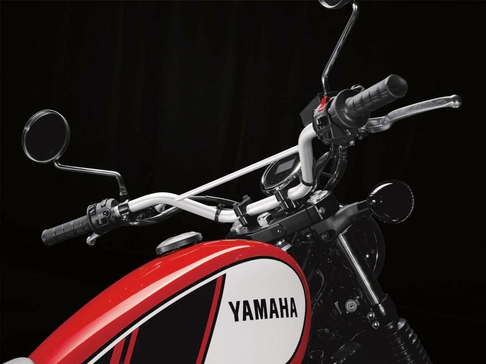 2017 Yamaha SCR950 04