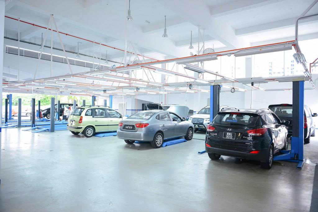 Hyundai models parked at service bays @ Hyundai's Authorised Service Centre