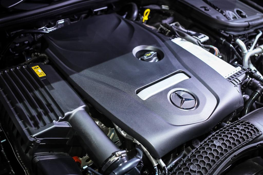 Mercedes-Benz E 200 Avantgarde Line (22)