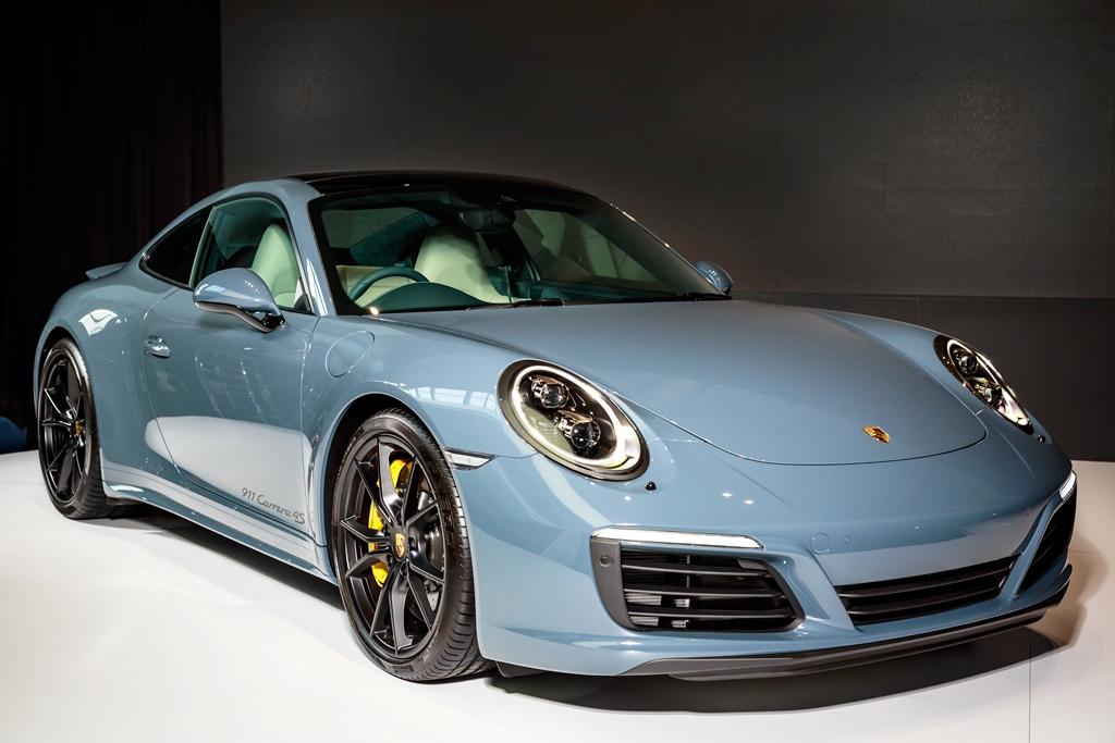 Porsche 911 Carrera Launch 01
