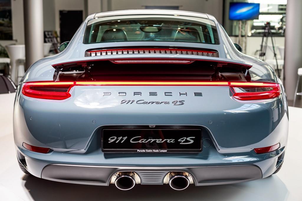 Porsche 911 Carrera Launch 05
