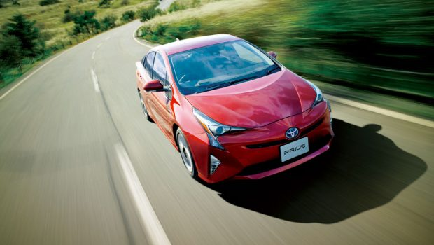 Toyota-Hybrid-sale-1-620x350
