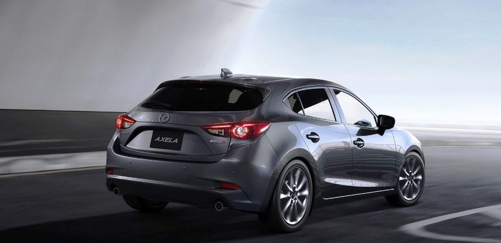 2017 Mazda3 02